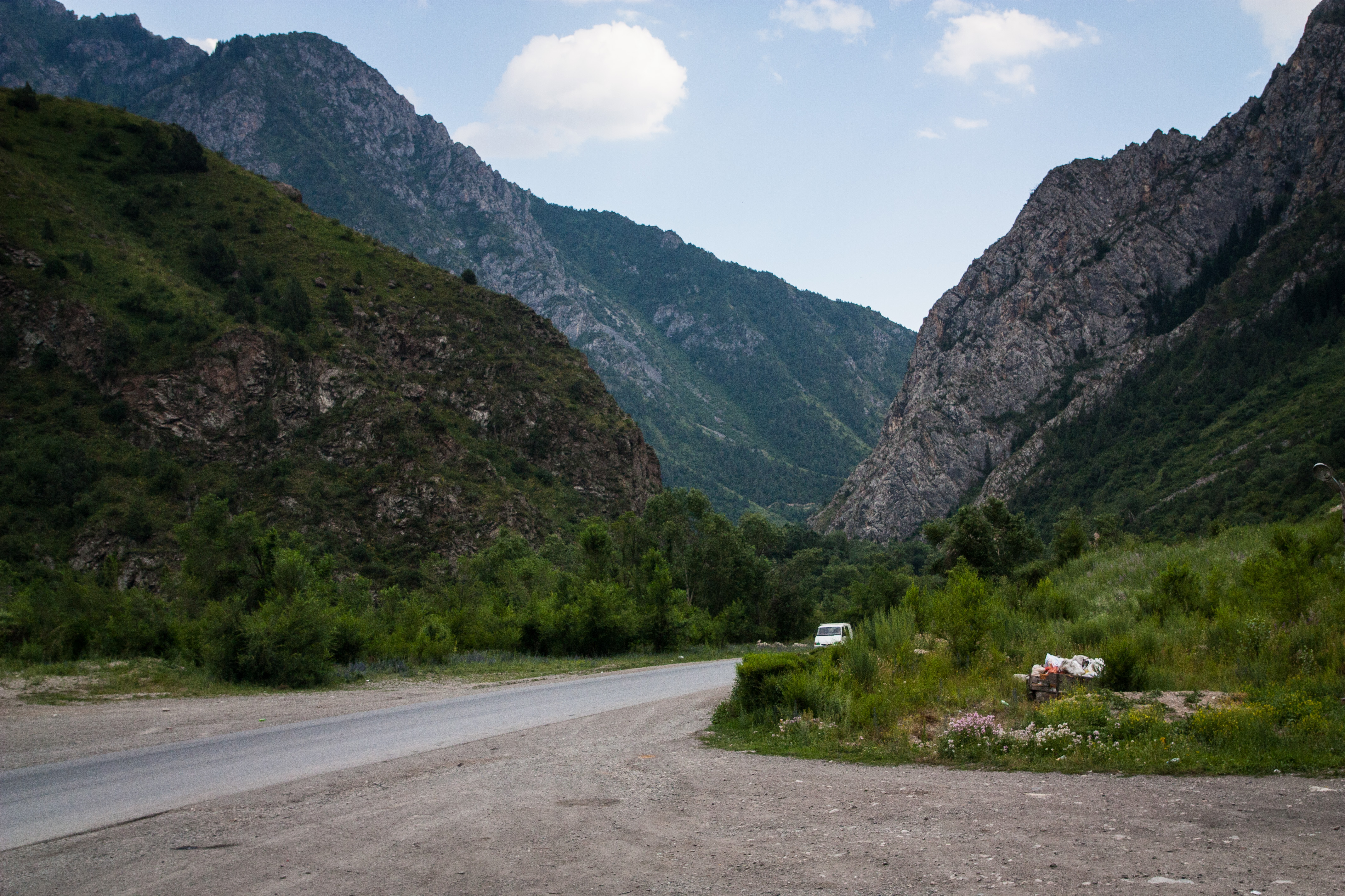 Road to Osh