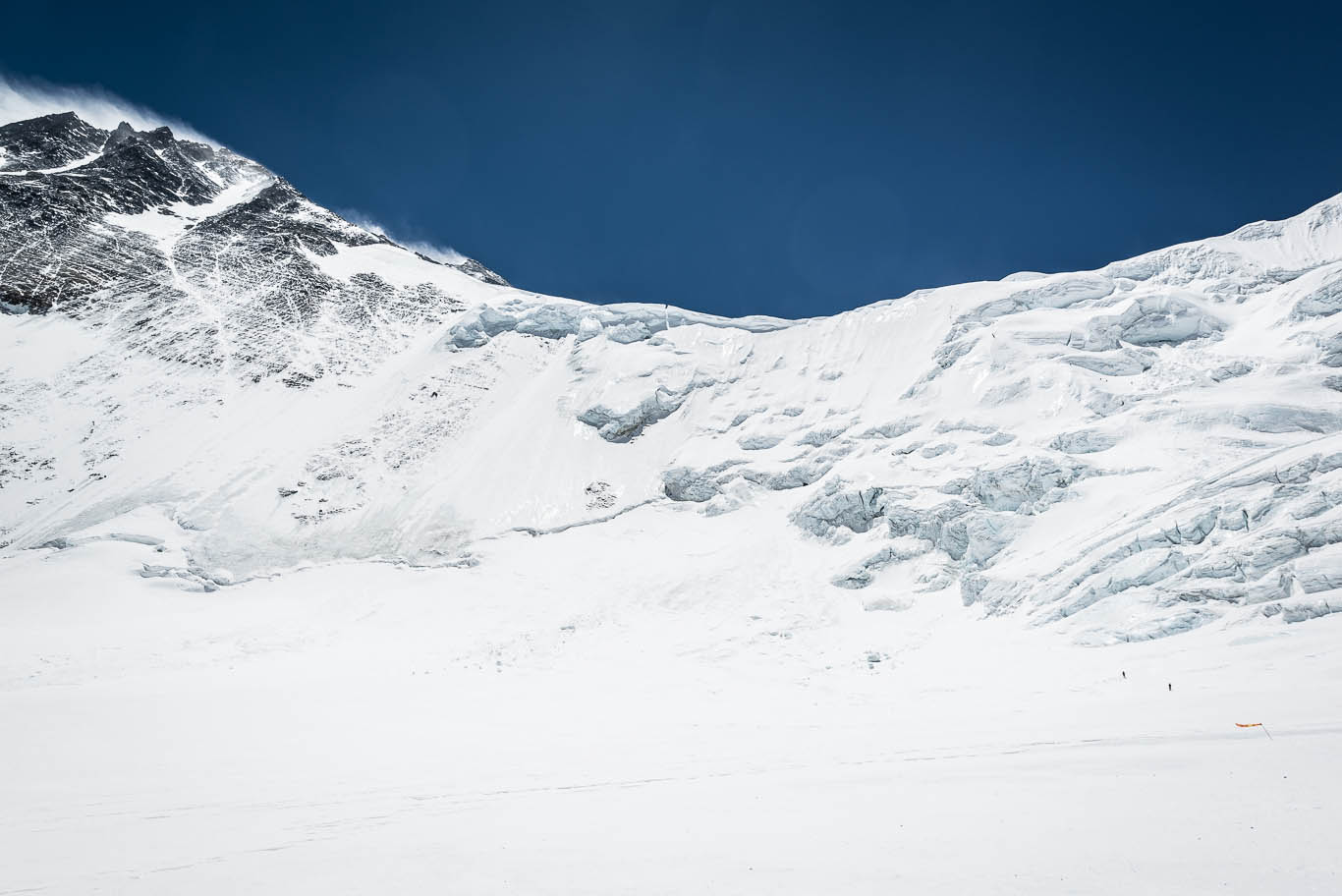Lost On Everest – The Search For Mallory & Irvine. 2/5