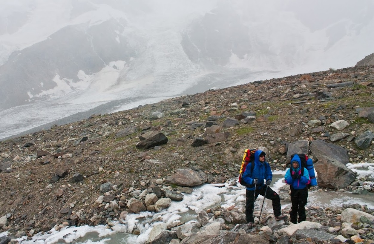 The Caucasus adventure: 16 young leaders team up at over 3000 metres